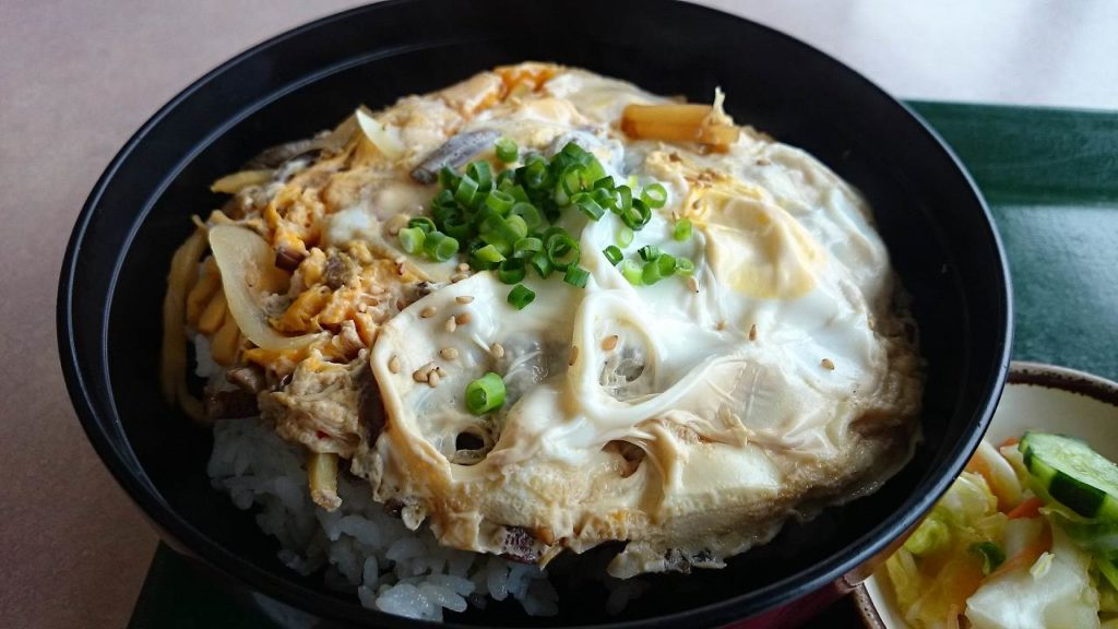 ゼンマイ卵丼