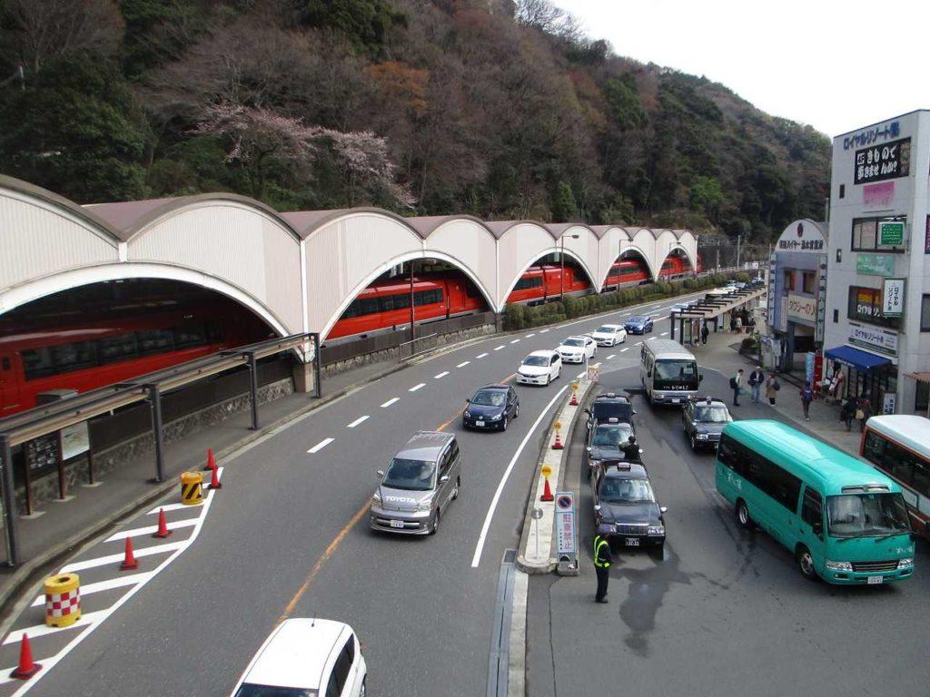 箱根湯本駅付近