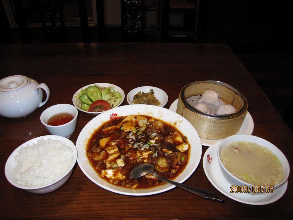 マーボー豆腐定食と単品でえび餃子