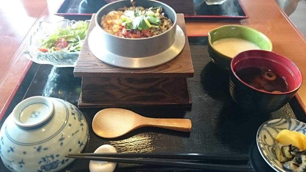 伊賀上野駅近くで食べた忍者釜飯