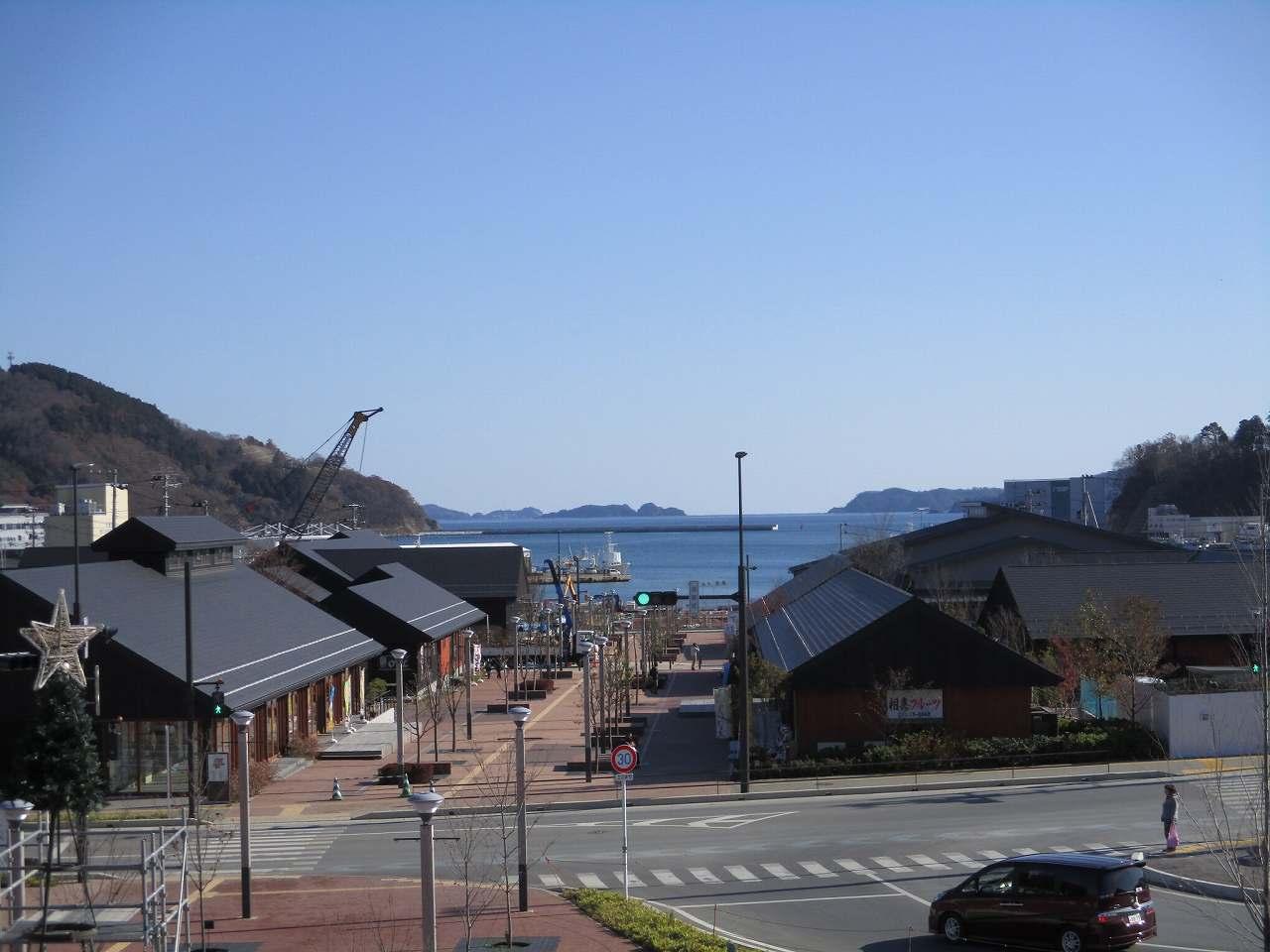 女川駅前の景色