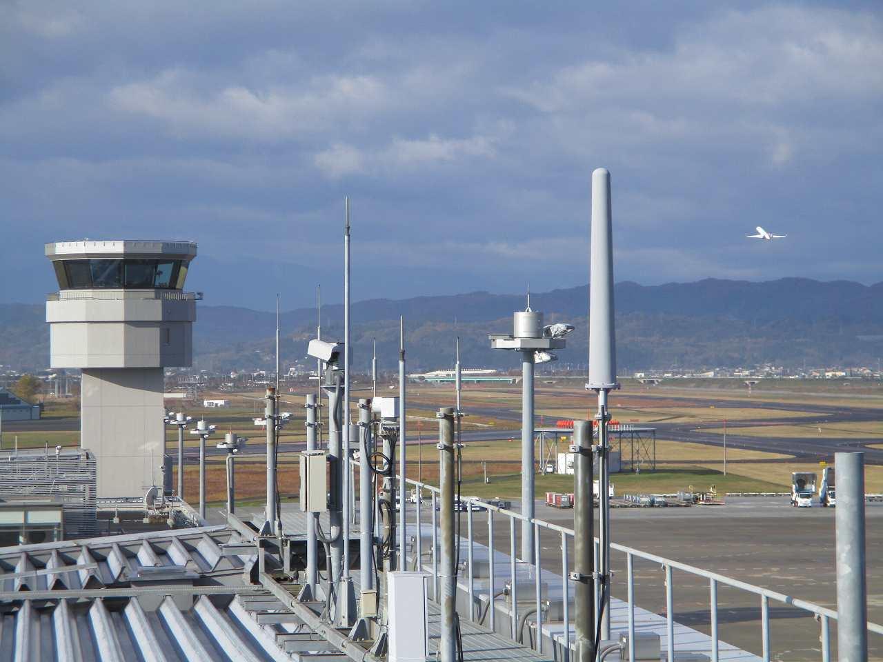 仙台空港の屋上展望デッキ