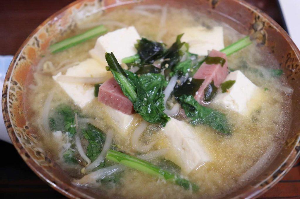 沖縄の味噌汁
